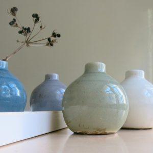 kleine Steingut Vase mit 'craquele' Glasur-1060