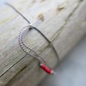 feines Armband Jade oder Granat mit Silberdetail-2990