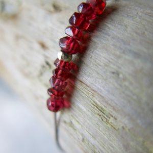 feines Armband Jade oder Granat mit Silberdetail-2987