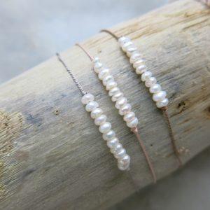 feines Armband mit kleinen Süsswasserperlen-0