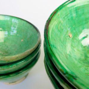 grüne Keramik Schale - hellerer Grünton-3407