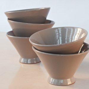 trichterförmige Keramik Schale-2038