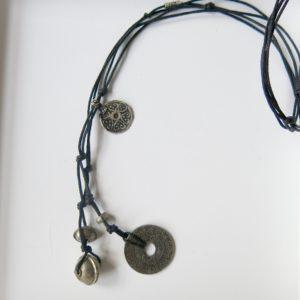 Unikat-Kette mit alter Münze und Berber Silberperlen-0