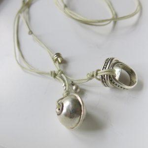 Kette mit Berber Silberperle und ovalem Silber-Ring-0