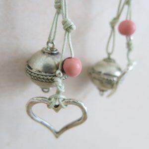 Kette mit Berber Silberperle und versilbertem Herzanhänger-0