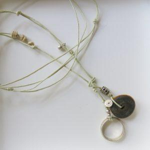 besondere Kette mit vintage Berber Ring und Harzperle-1543