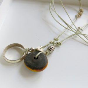 besondere Kette mit vintage Berber Ring und Harzperle-1544