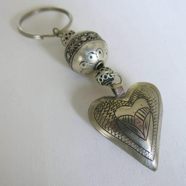 Schlüsselanhänger mit silbernem Herz-0