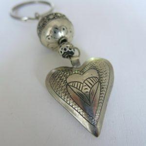 Schlüsselanhänger mit silbernem Herz-1672