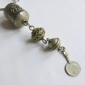 Schlüsselanhänger aus verschiedenen Silberperlen-1665