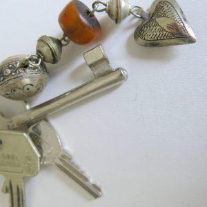 Schlüsselanhänger mit silbernem Mini Herz-1676
