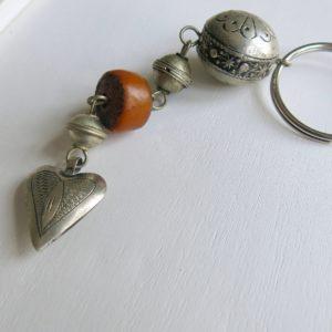 Schlüsselanhänger mit silbernem Mini Herz-1675