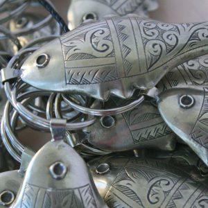 Schlüsselanhänger Silber-Fisch mit dekorativer Gravur-1120