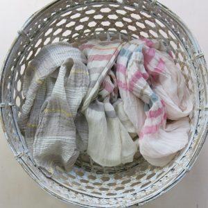 Schal aus feiner Baumwolle in Pastelltönen-3610