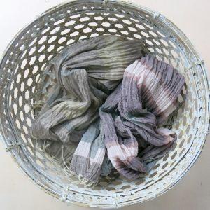 Schal aus feiner Baumwolle mit Streifen-3602